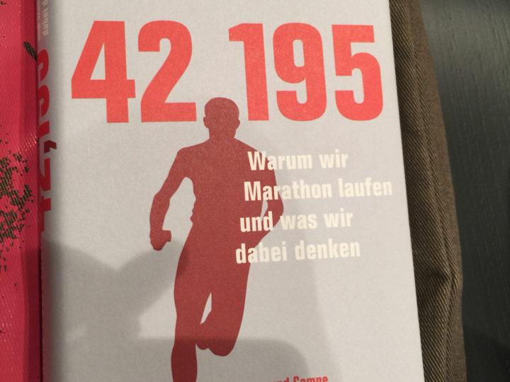 Gelesen: 42.195 – Warum wir Marathon laufen und was wir dabei denken