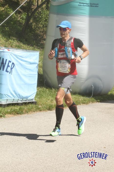 Henrik kämpft bei km10